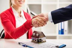содействие по покупке недвижимости в болгарии