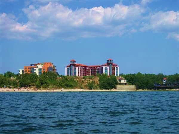 апартаменты в несебре у моря