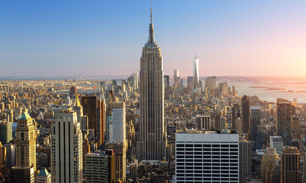 an overview of the growth of the new york businesses The economic impact of tourism in new york 2 tourism economy expanded in 2015 with 10% growth generated $102 billion in total business sales.