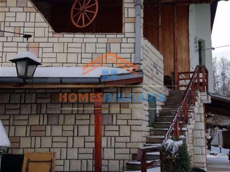 Продава къща в Бистрица