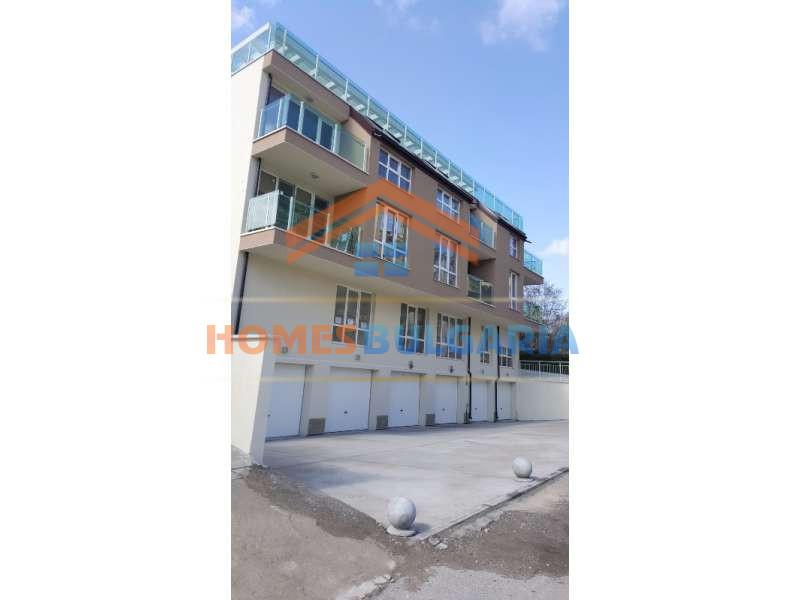 Двустаен апартамент в нова сграда, гледка Витоша