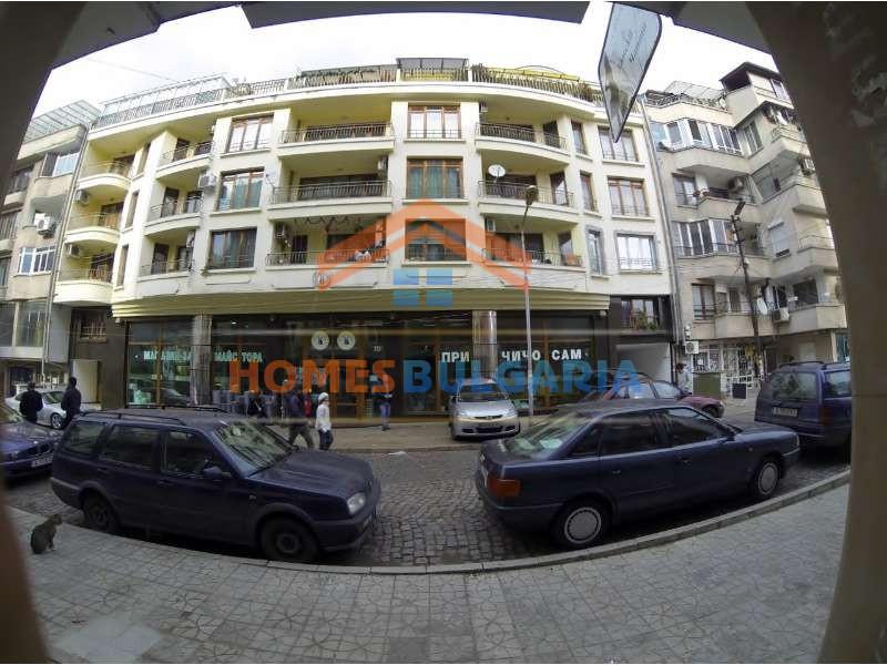 Офис под наем, в центъра на Бургас