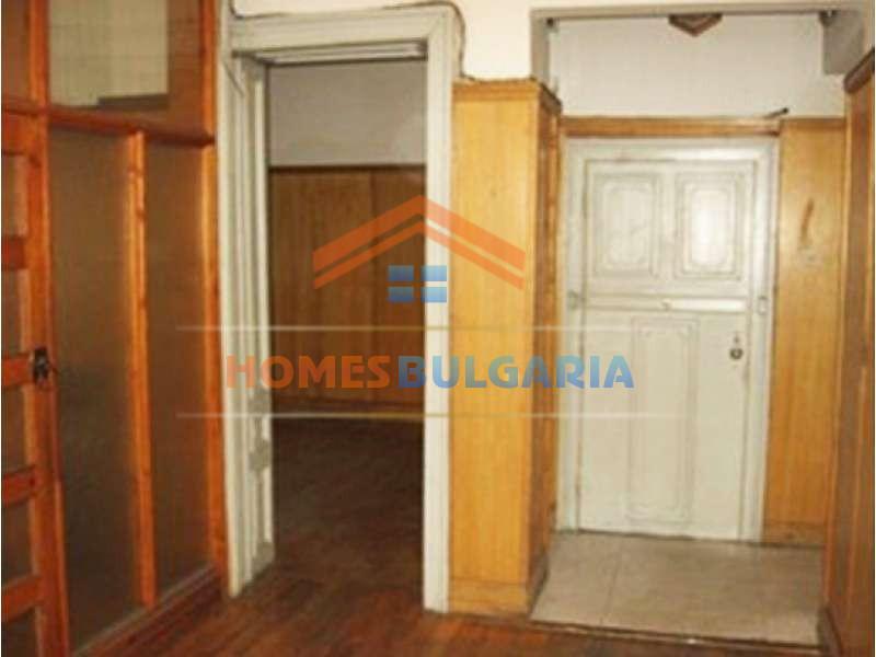 Квартира с 3 спальнями в г. София