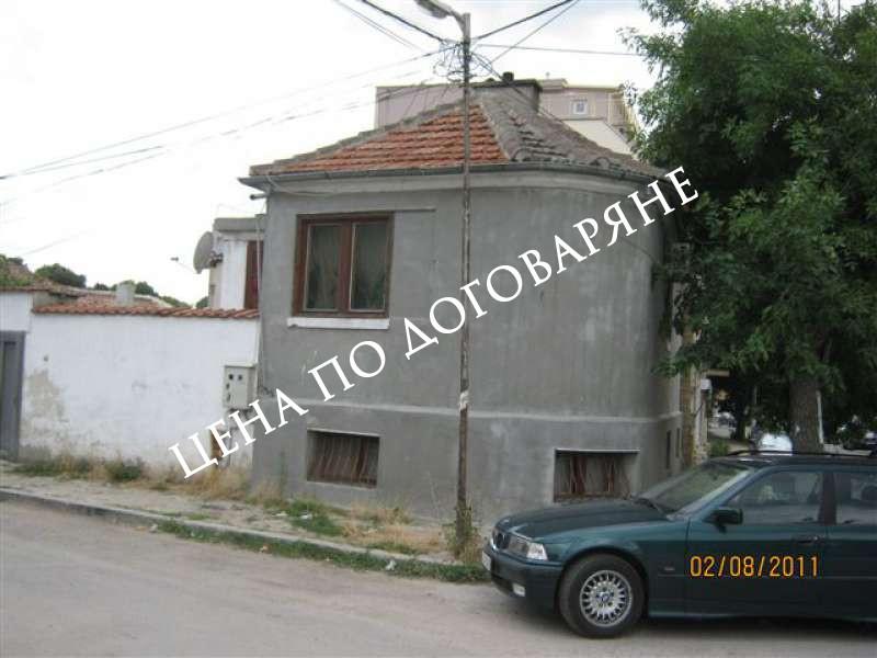 Къща и апартамент, гр. Варна