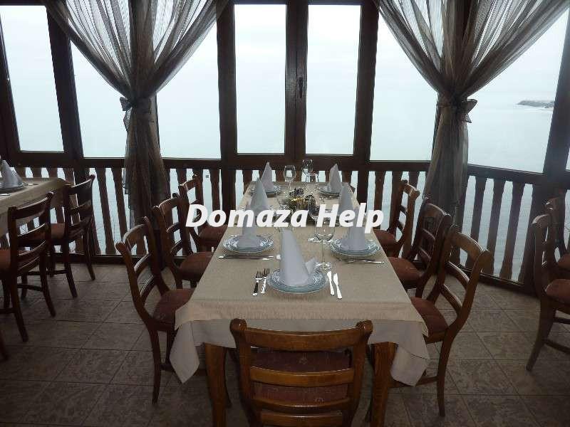 Ресторан с прекрасной морской панорамой