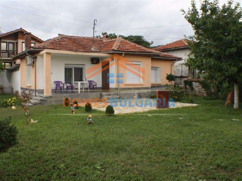 Nice house in the spa resort of Hissar