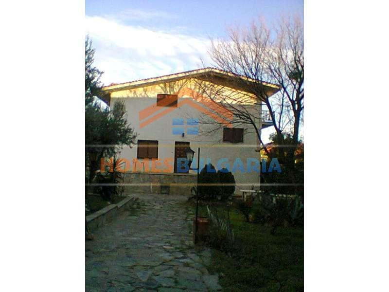 VILLA HOUSE IN ATHENS, GREECE